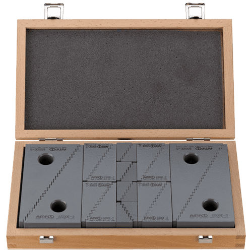 AMF tensioning pads set no. 6550H, in wooden box